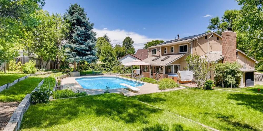 Leslie Macrossie, a real estate agent in Denver, CO
